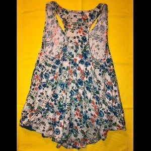 Mudd Tops - Blue lace floral tank top!
